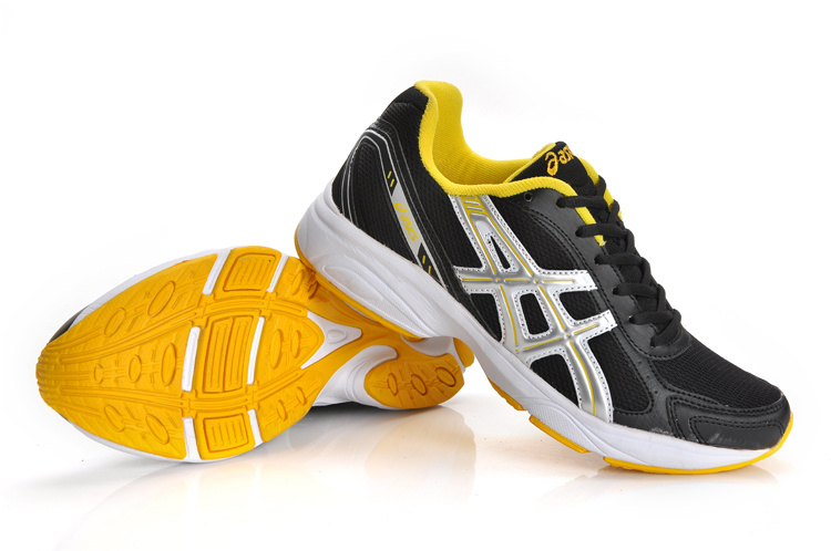 Asics Maverick2 Trainers Black Silver Gold
